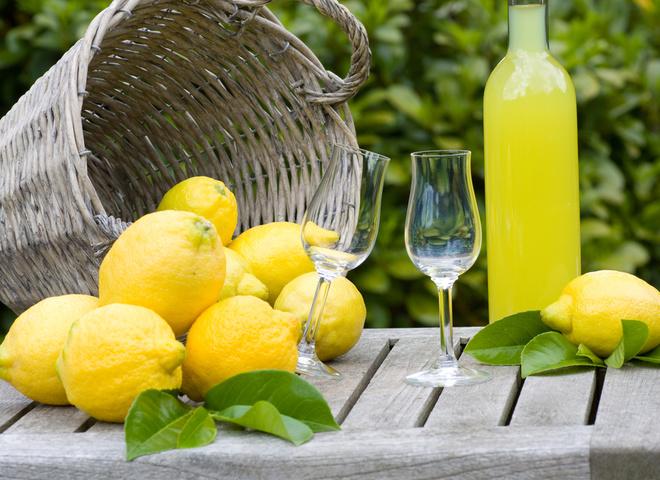Домашний лимончелло: рецепт итальянского ликера