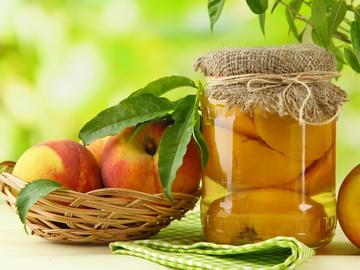 Консервирование персиков: секреты и тонкости
