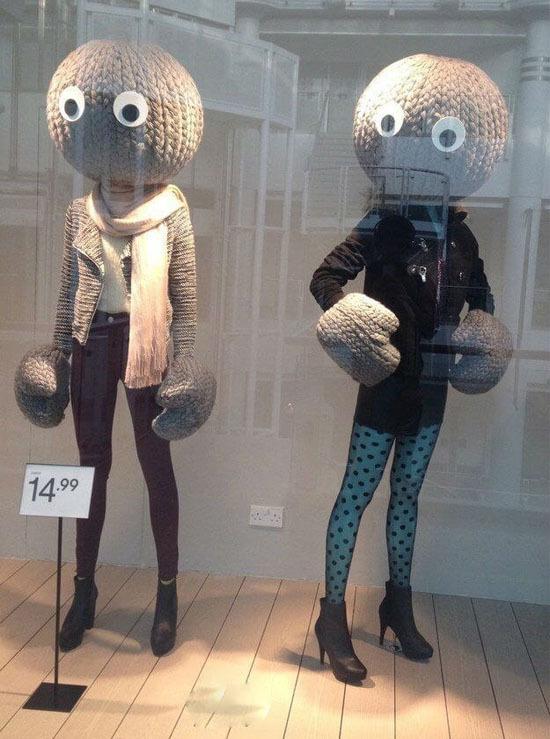 Чего только не увидишь в витринах магазинов