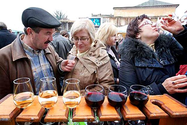 Куда поехать отдыхать в ноябре: Праздник молодого вина «Закарпатское Божоле», Ужгород