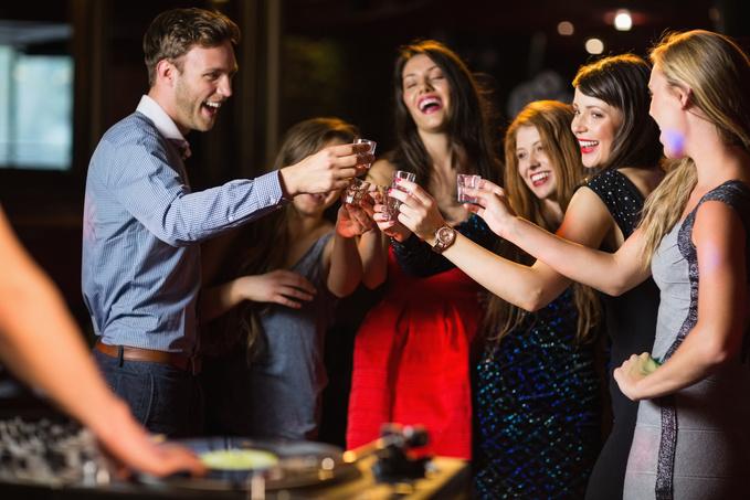 Коктейлі з Єгермейстером: топ-10 рецептів для тих, хто не хоче їхати в бар