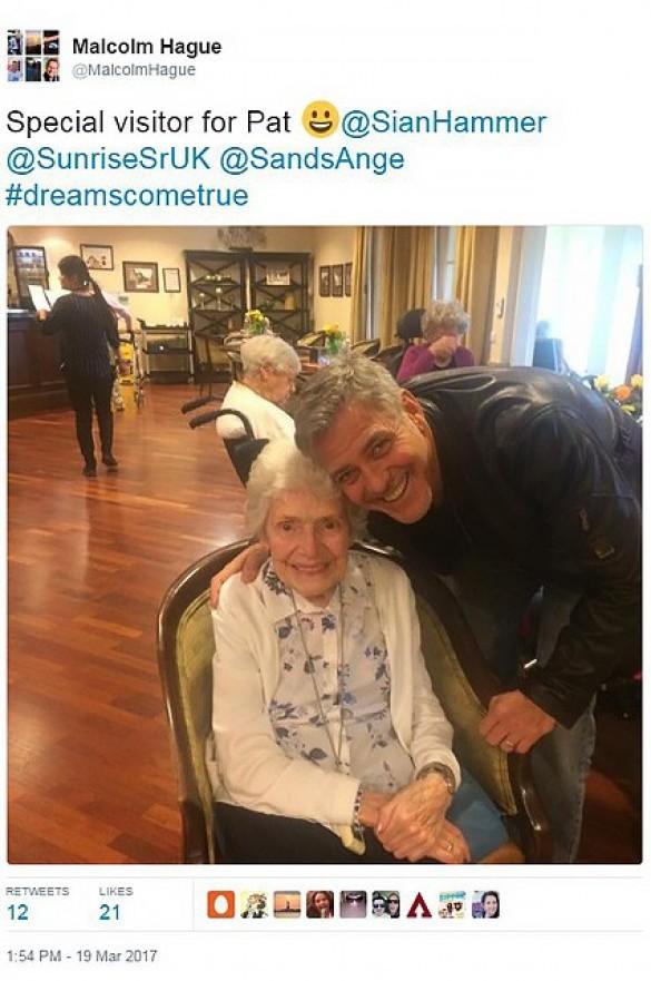 Джордж Клуні з прихильницею