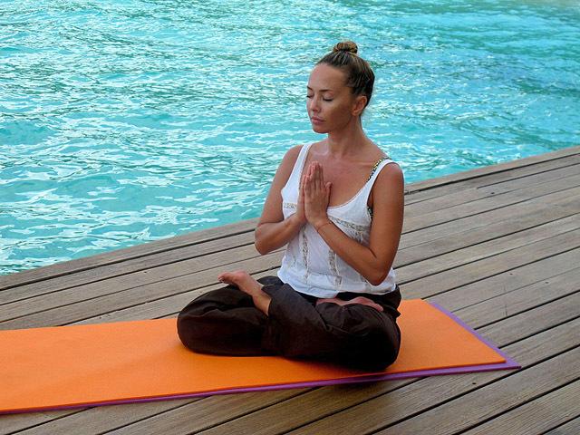ТОП-5 зоряних любительок йоги