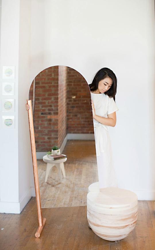 Союз зеркала и столика