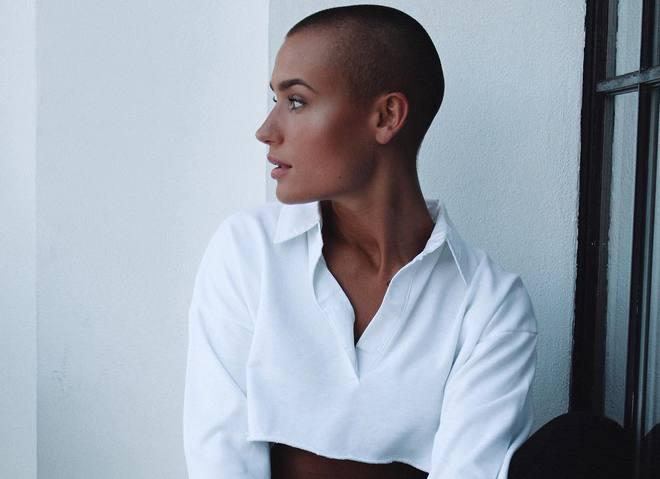 Впервые для журнала Playboy снялась лысая модель