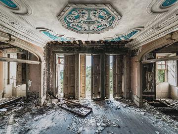 фототпроект: закинуті будівлі