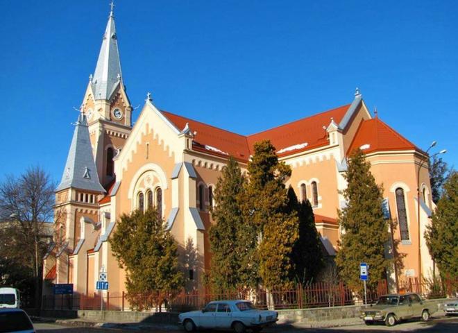 Старинные часы Украины: Мукачевский римо-католический храм