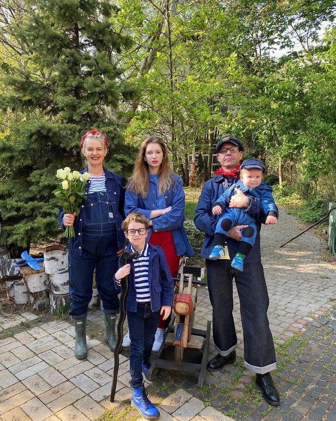 Сергей Міхалок з родиною