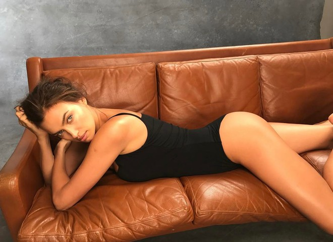 Ирина Шейк  для журнала Sports Illustrated в Аризоне