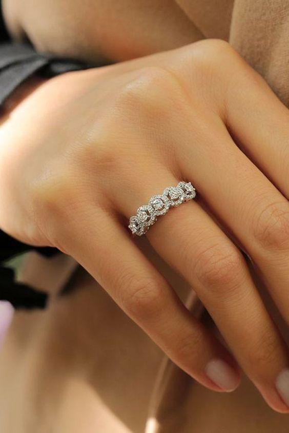 15 необычных помолвочных колец, которые покажут насколько уникальны ваши чувства
