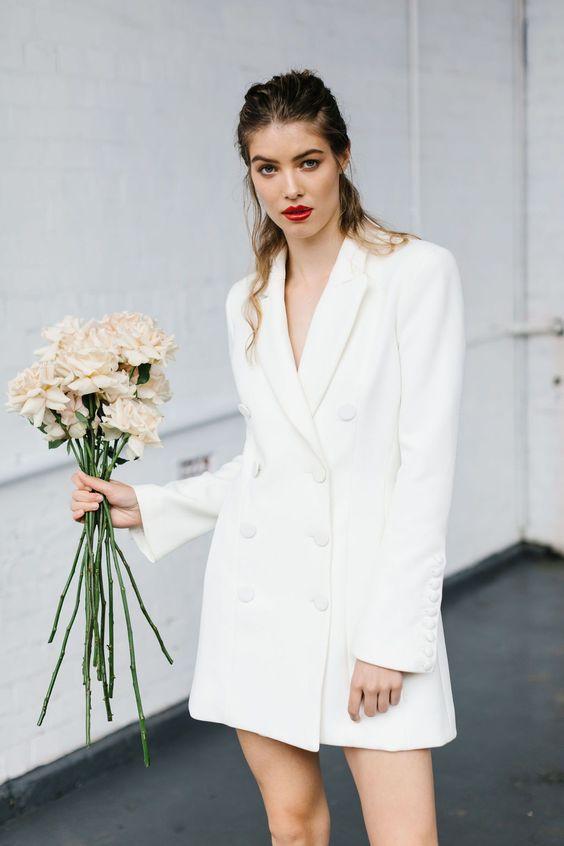 Короче, юбку покороче: 20 абсолютно невероятных и простых платьев мини для невесты