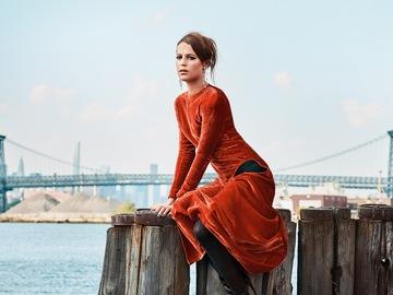 Алісія Вікандер в fashion-зйомці для Porter Magazine