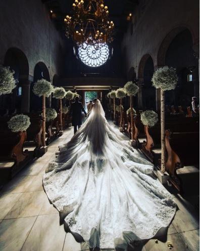 Весільна сукня Вікторії Сваровські