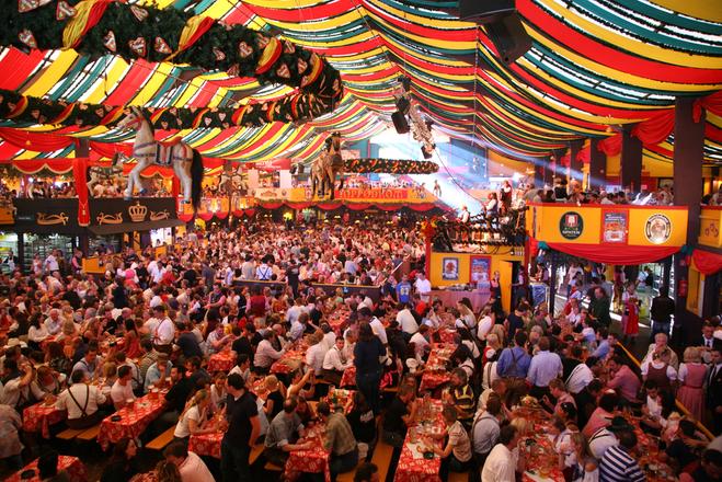 Куди поїхати у вересні за кордон: фестивалі і курорти на будь-який смак