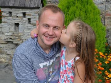 5-летняя дочь Павла Табакова создала мультипликационную историю к папиной песне
