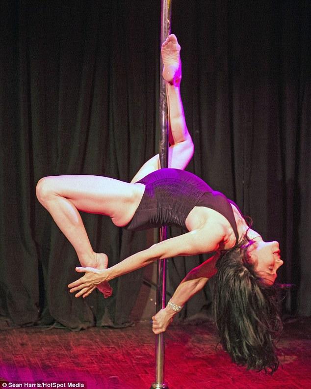 Беременные танцовщицы pole dance