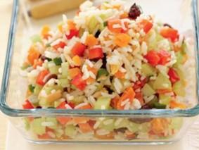 Японский салат с рисом и фруктами