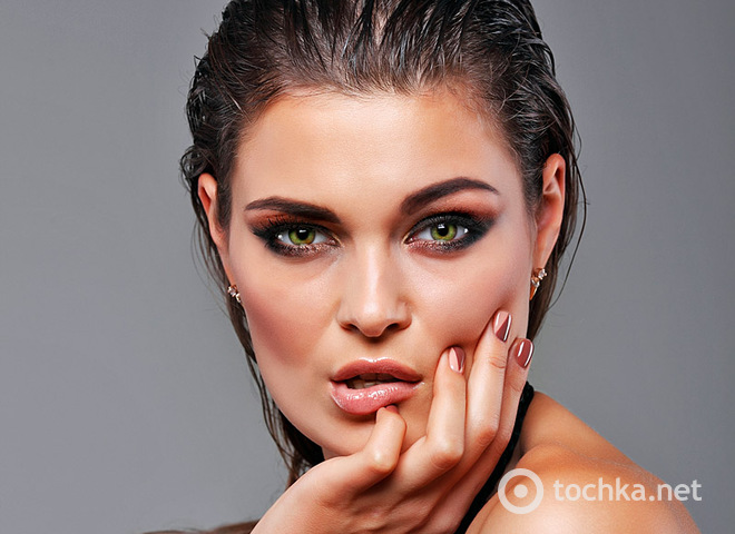 Новорічний макіяж для карих, блакитних, сірих і зелених очей