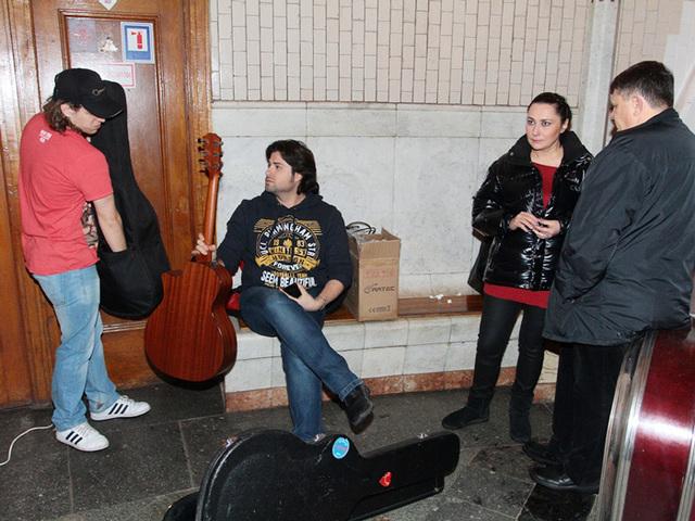 Володимир Ткаченко в метро