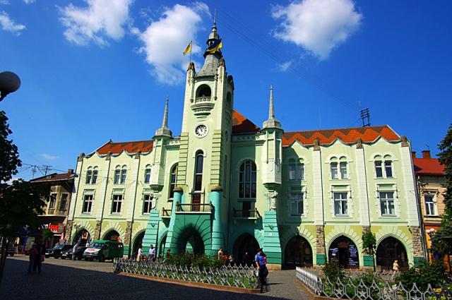 Куди поїхати відпочивати в листопаді: Мукачево