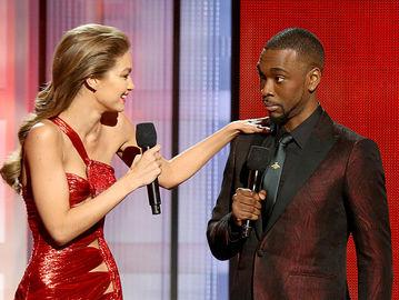 10 худших образов с красной дорожки American Music Awards