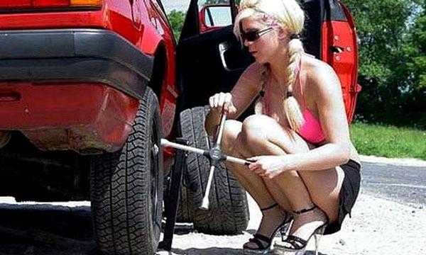 Осторожно! За рулем женщины!