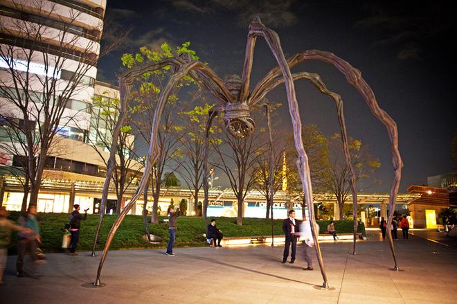 Топ-10 найбільш незвичайних скульптур світу