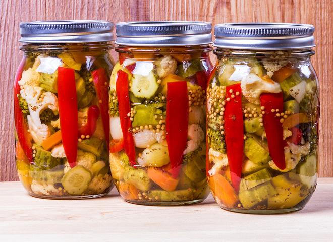 Овочеве асорті на зиму без стерилізації: різноманітність смаку