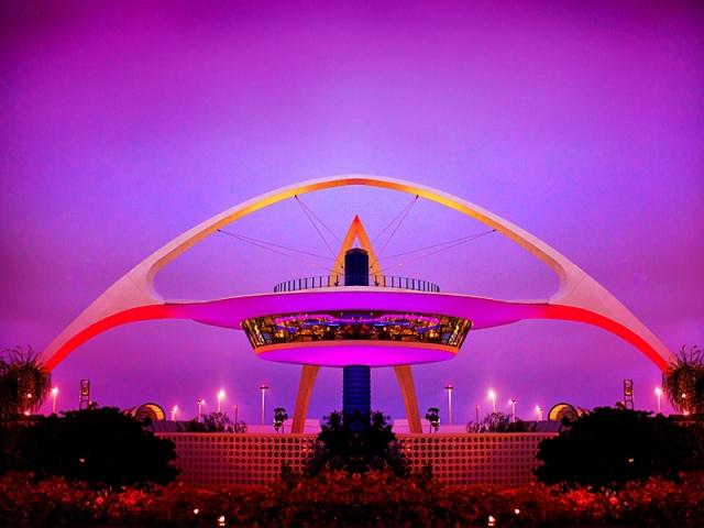 Де відчути себе космонавтом: Encounter Restaurant & Bar - Лос-Анджелес