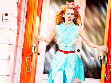 В стиле pin-up: Стелла Максвелл в яркой фотосессии
