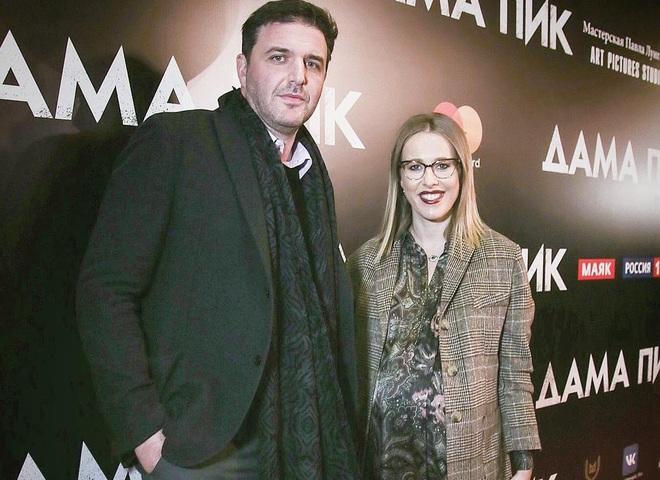 Ксении Собчак предложили назвать сына в честь ресторанов быстрого питания