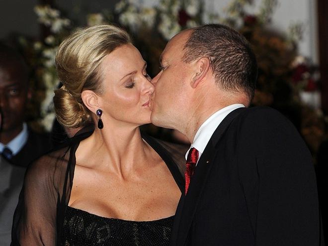 принц Монако Альберт і його дружина принцеса Шарлін