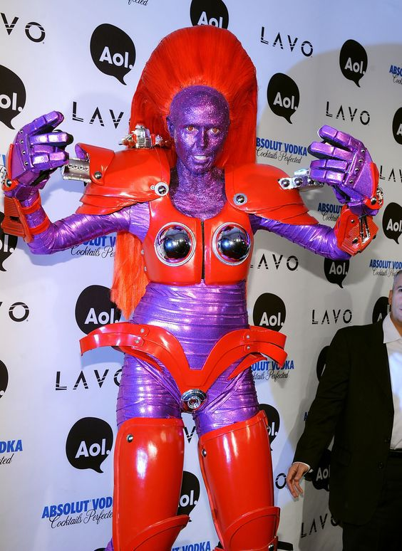 25 самых необычных костюмов знаменитостей на Хэллоуин