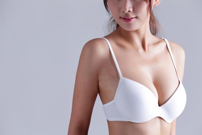 Як доглядати за шкірою грудей