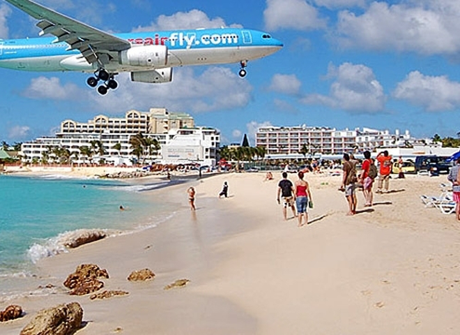 Міжнародний аеропорт Принцеси Юліани на острові Сен-Мартен