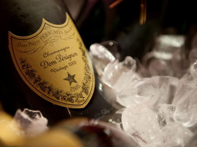 видео секс дома с шампанским