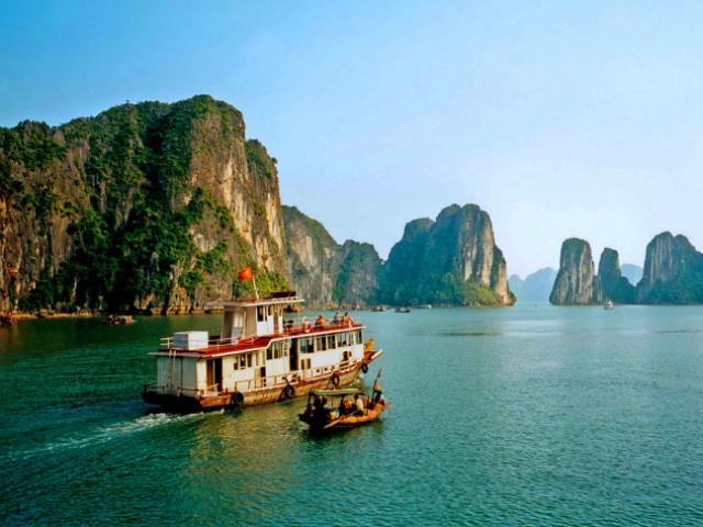 Куди поїхати на море в жовтні: відпочинок за кордоном