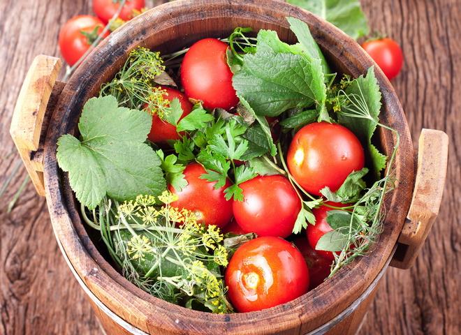 Консервація помідорів