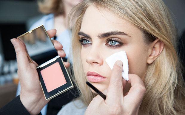 Модний макіяж 2016: 5 головних трендів від візажиста YSL (фото)