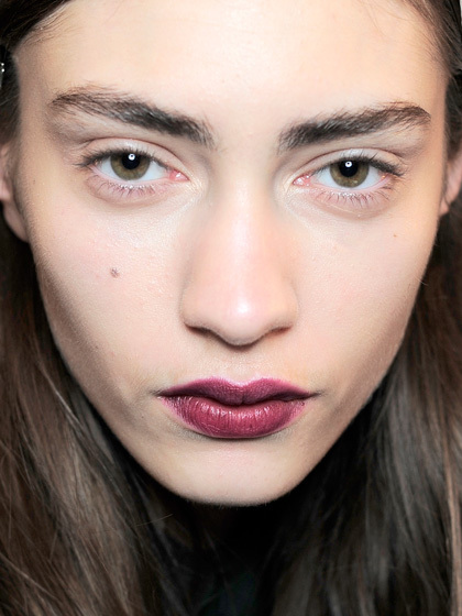 """Професійний макіяж: """"блурінг"""" − новий б'юті-тренд"""