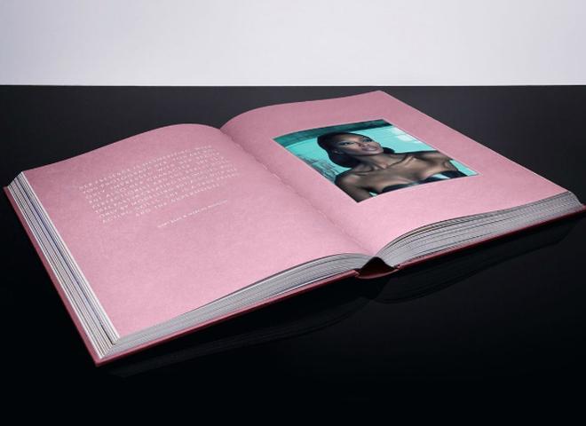 Наомі Кемпбелл випустила автобіографічну книгу