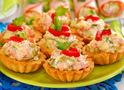 Чем начинить тарталетки? Рецепт салата в тарталетках на праздник и на каждый день