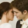 Cумерки: самые нежные поцелуи Эдварда и Беллы (фото)