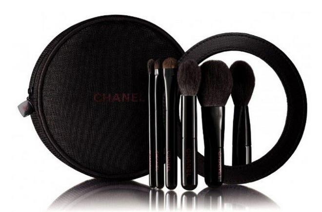 Rouge Noir: Різдвяна колекція макіяжу від Chanel