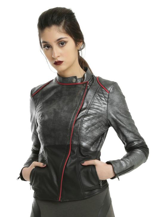 """""""Зоряні війни"""": Hot Topic створив колекцію одягу спільно з Disney"""