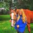 Дочь Романа Абрамовича выложила личные фото в сеть