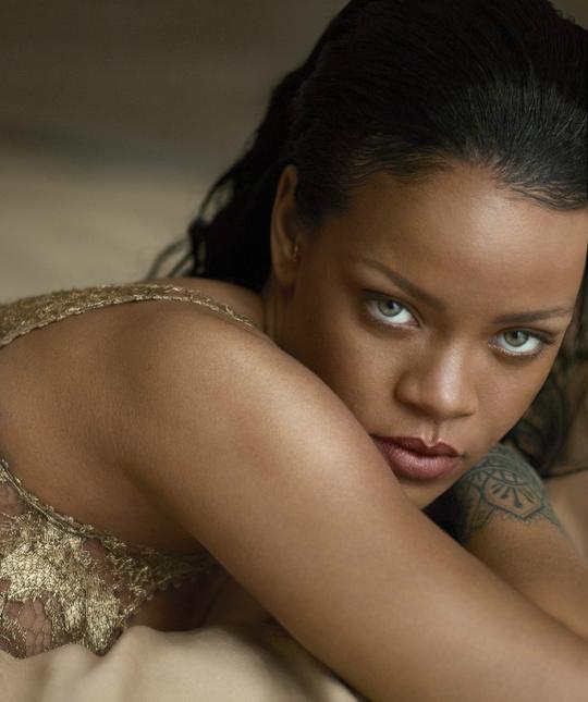 Ріанна прикрасила обкладинку американського журналу Vogue