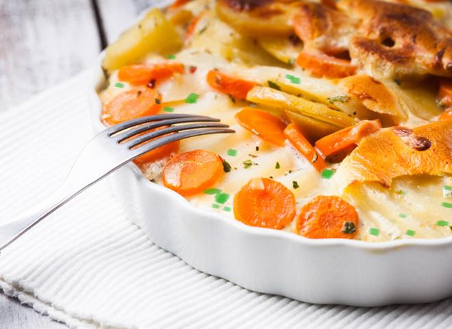 Сирна запіканка: рецепт з овочами і зеленню
