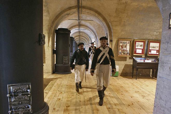 Военный туризм: Михайловская батарея, Севастополь
