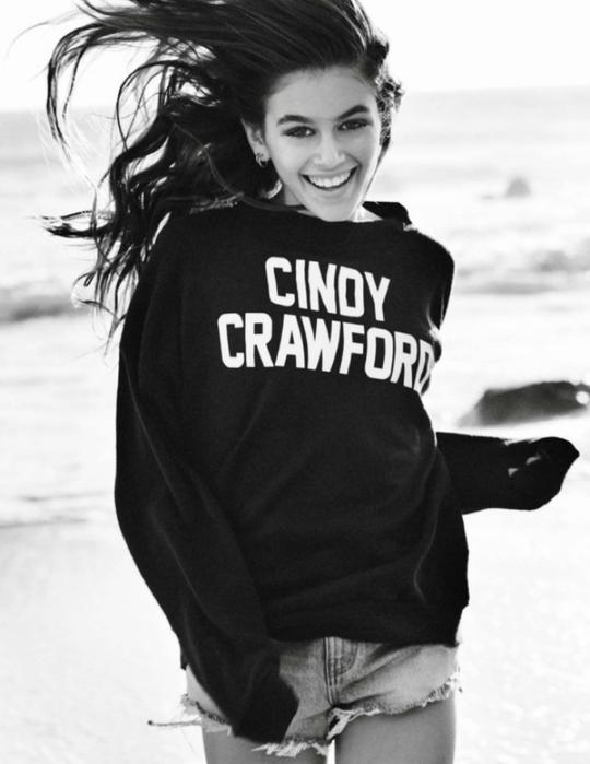 Сінді Кроуфорд з дочкою в фотосесії Маріо Тестіно